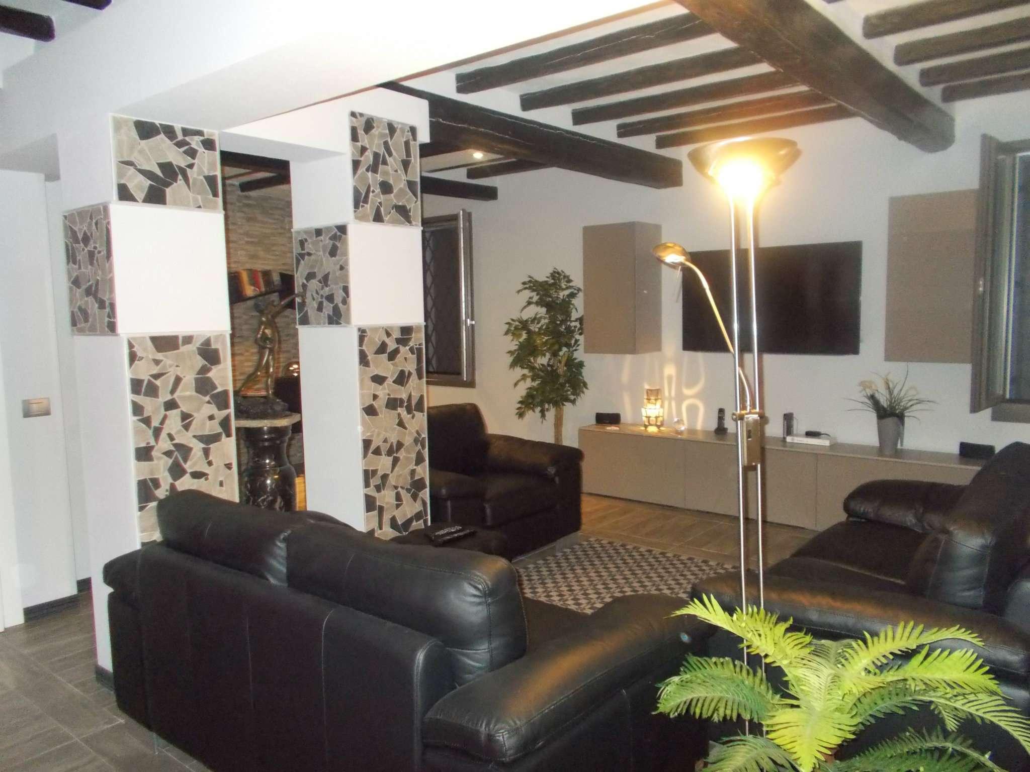 Soluzione Indipendente in vendita a Quattro Castella, 4 locali, prezzo € 570.000 | Cambio Casa.it