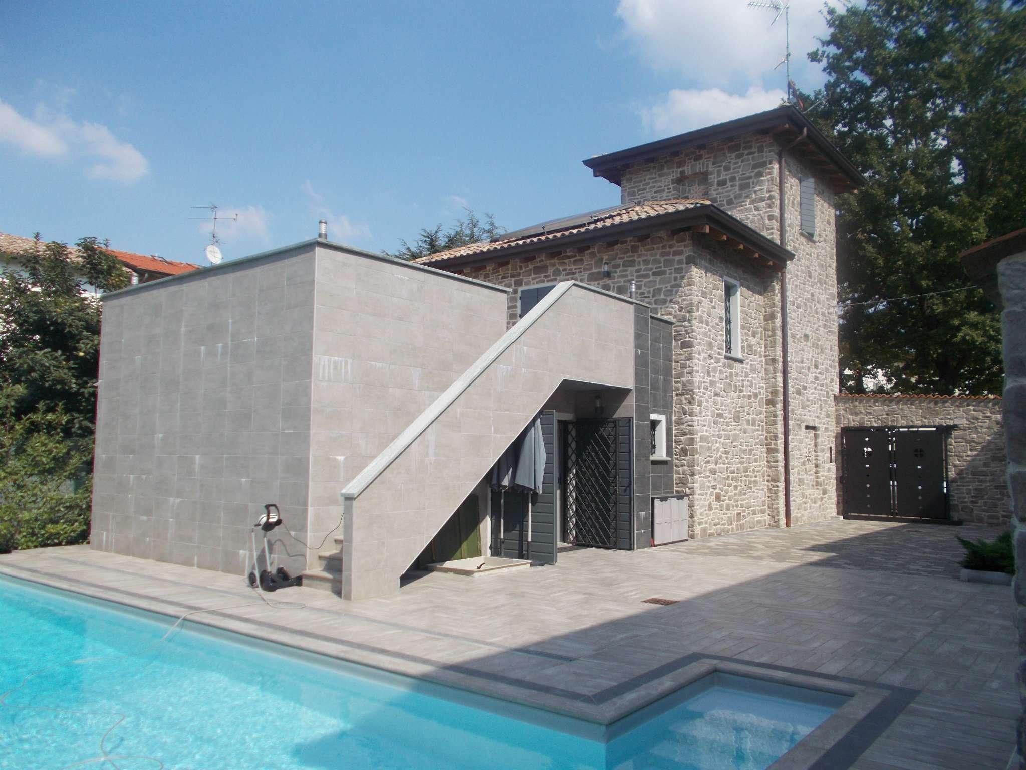Soluzione Indipendente in vendita a Quattro Castella, 4 locali, prezzo € 550.000 | Cambio Casa.it
