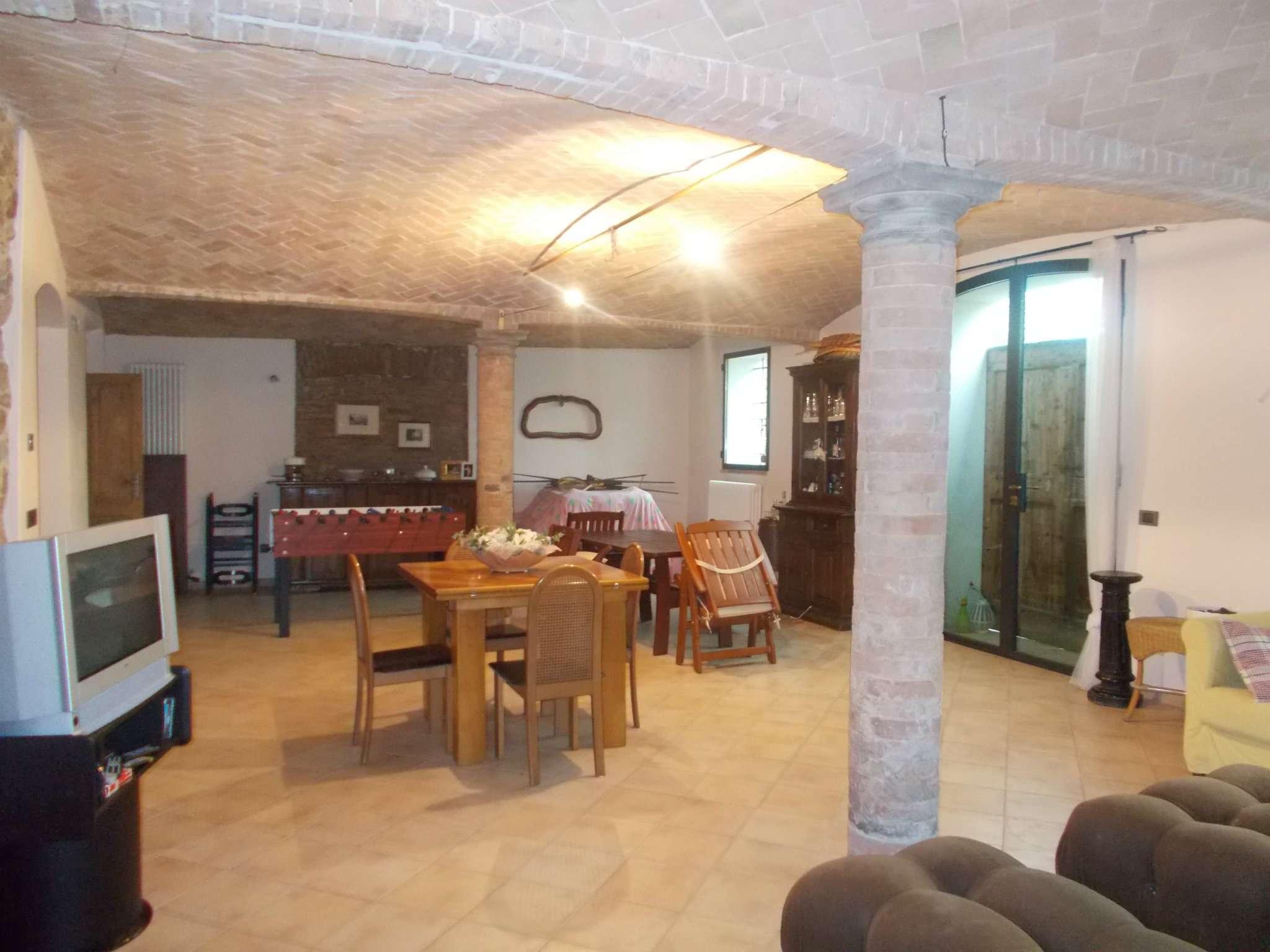 Rustico / Casale in vendita a Quattro Castella, 9999 locali, prezzo € 180.000 | Cambio Casa.it