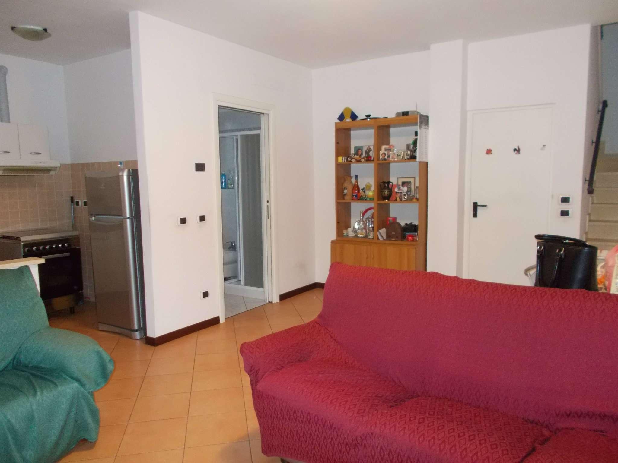 Soluzione Indipendente in vendita a San Polo d'Enza, 4 locali, prezzo € 220.000 | CambioCasa.it