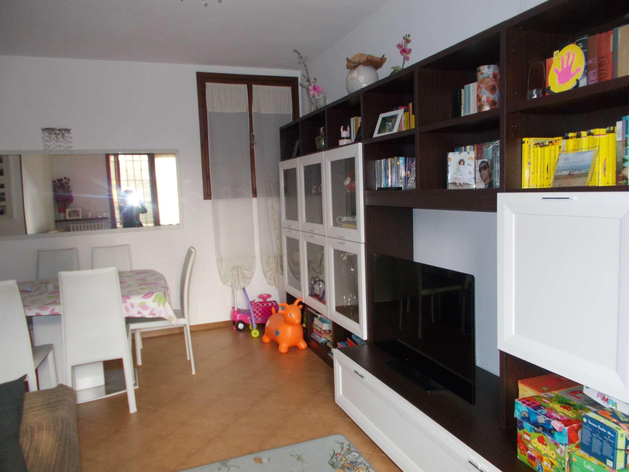 Soluzione Indipendente in vendita a Quattro Castella, 5 locali, prezzo € 265.000 | CambioCasa.it