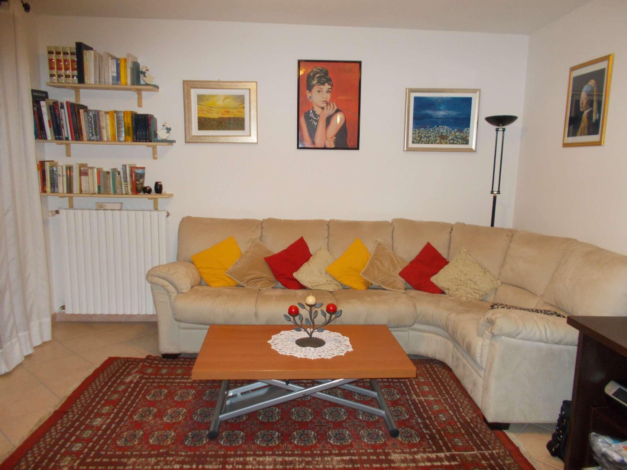 Appartamento in affitto a Quattro Castella, 3 locali, prezzo € 550 | Cambio Casa.it
