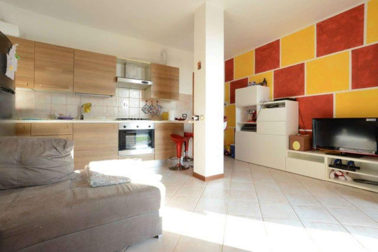 Appartamento in vendita a Quattro Castella, 3 locali, prezzo € 95.000 | Cambio Casa.it