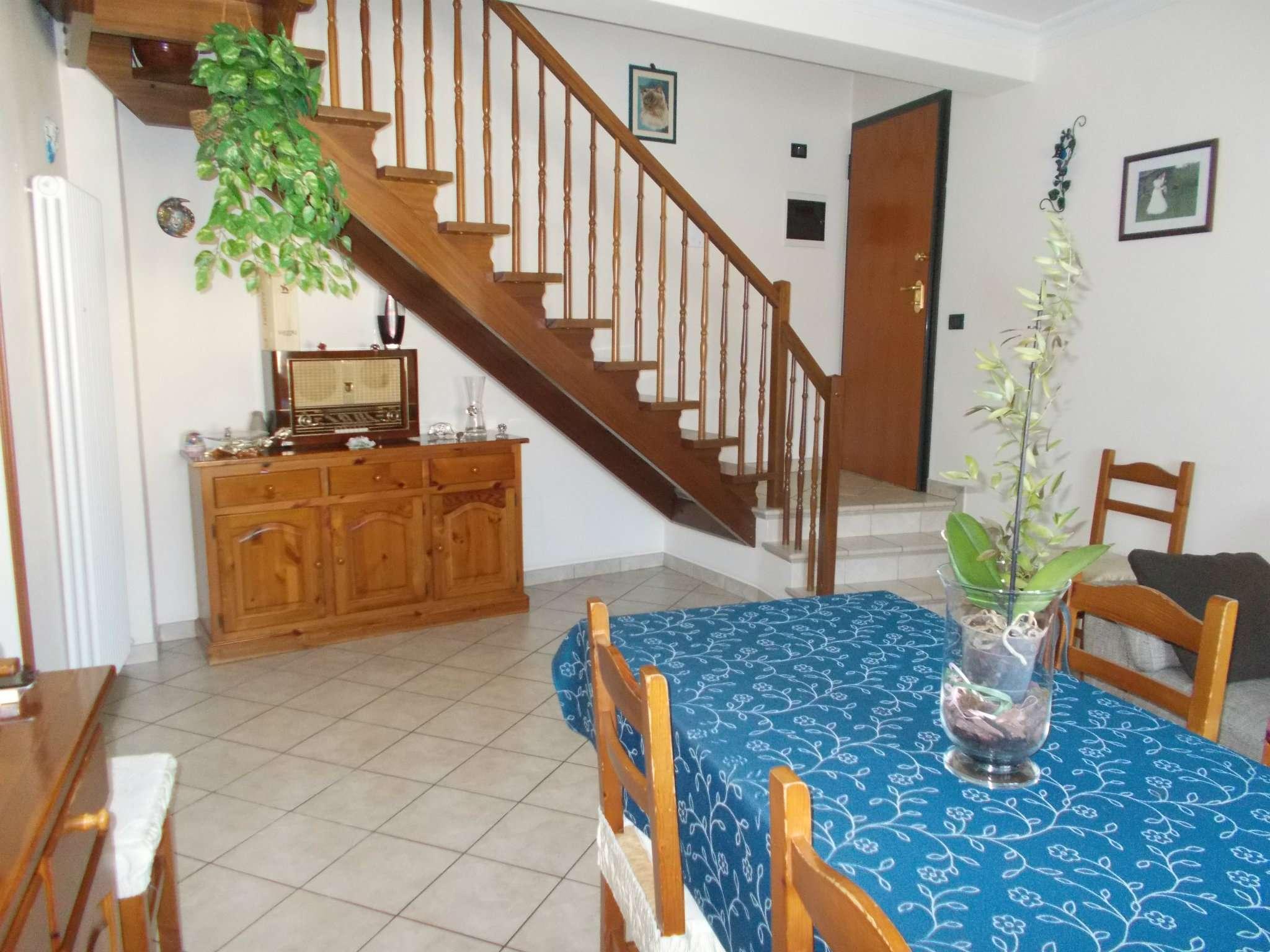 Appartamento in vendita a Bibbiano, 5 locali, prezzo € 160.000 | CambioCasa.it