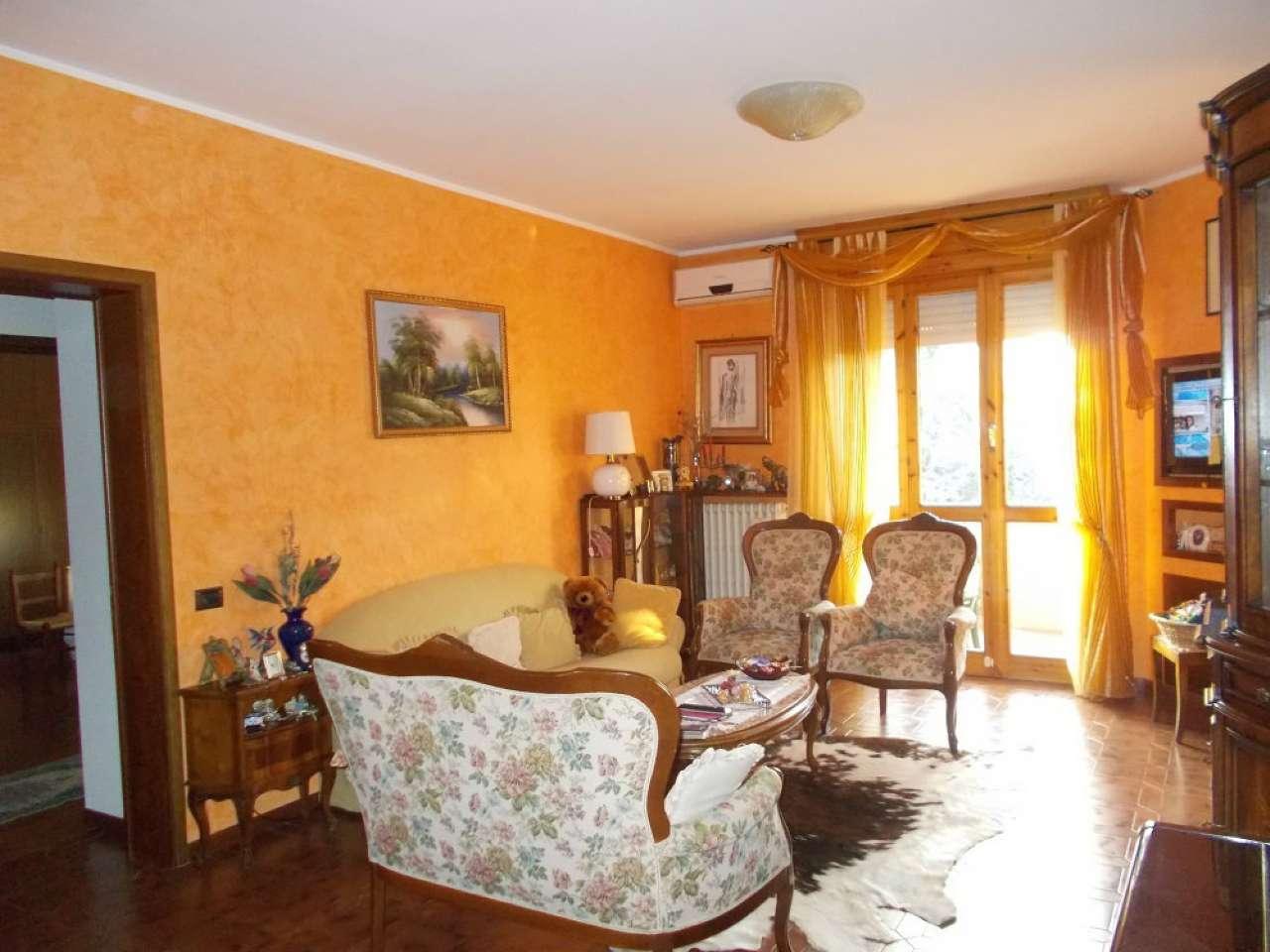 Appartamento in vendita a Quattro Castella, 3 locali, prezzo € 95.000 | CambioCasa.it