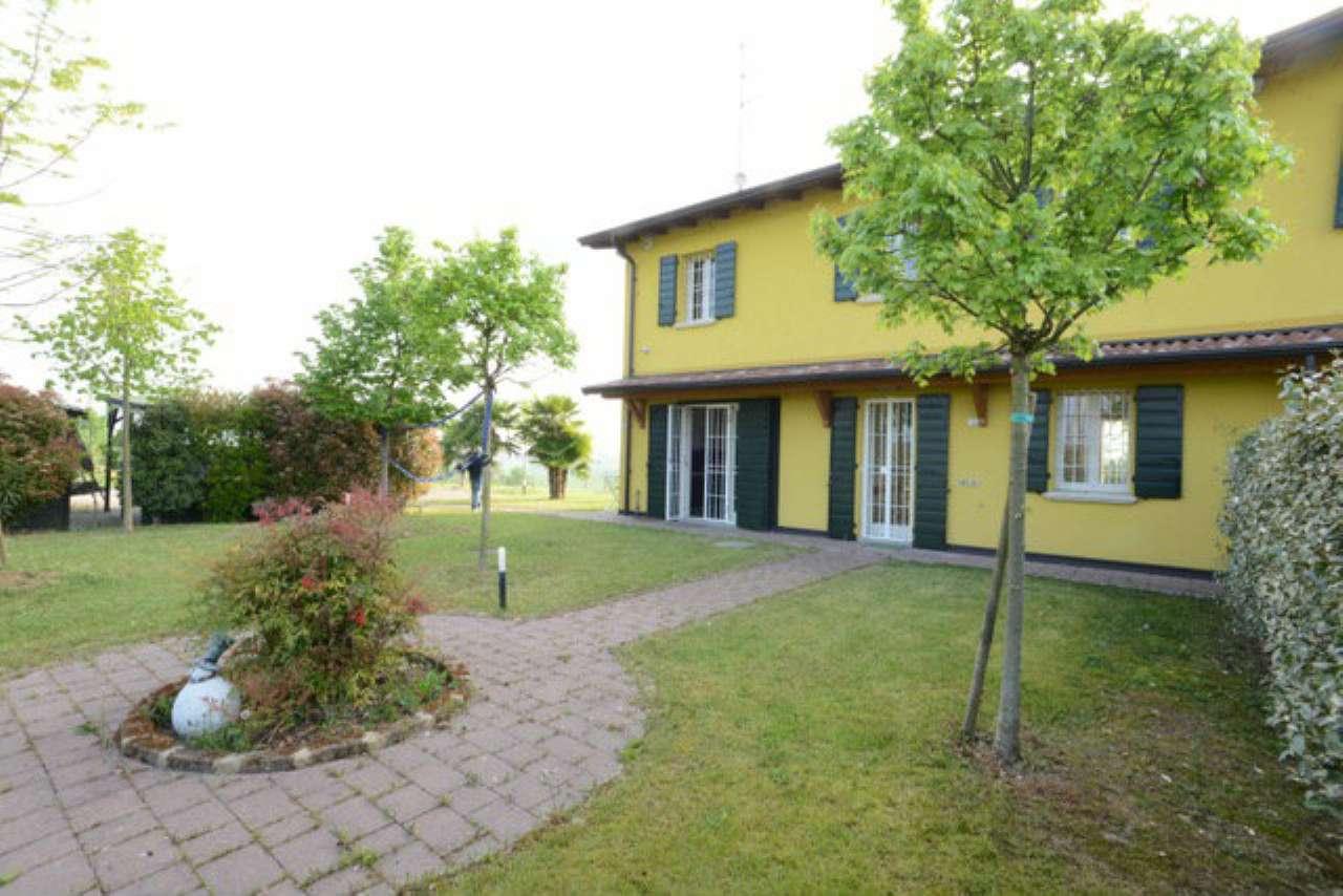 Palazzo / Stabile in vendita a Reggio Emilia, 4 locali, prezzo € 320.000 | Cambio Casa.it