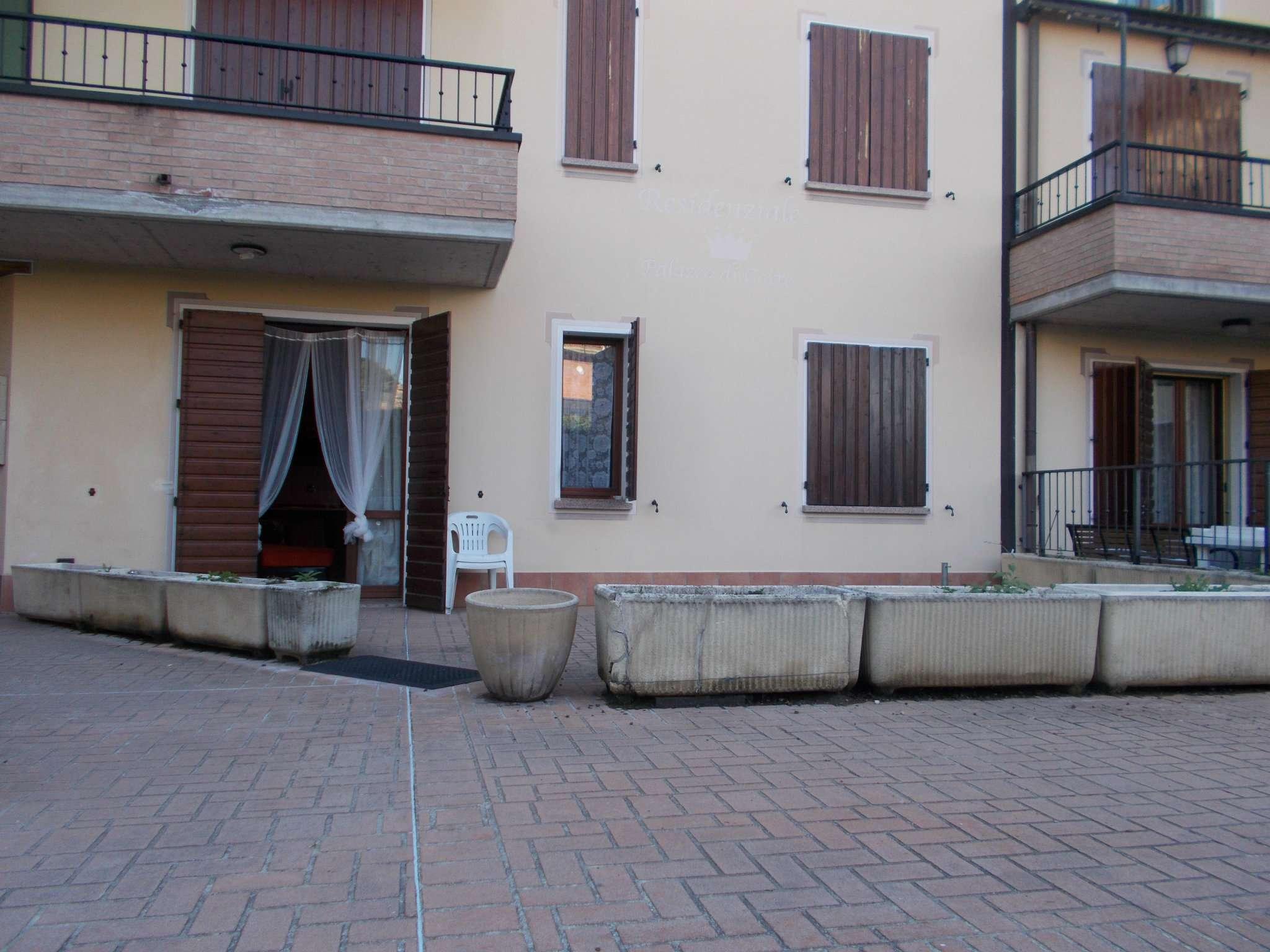 Appartamento in vendita a Quattro Castella, 2 locali, prezzo € 100.000   CambioCasa.it