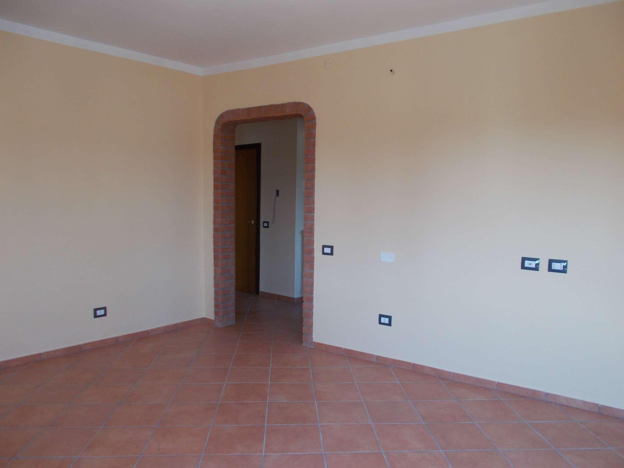 Appartamento in vendita a Quattro Castella, 3 locali, prezzo € 85.000   CambioCasa.it