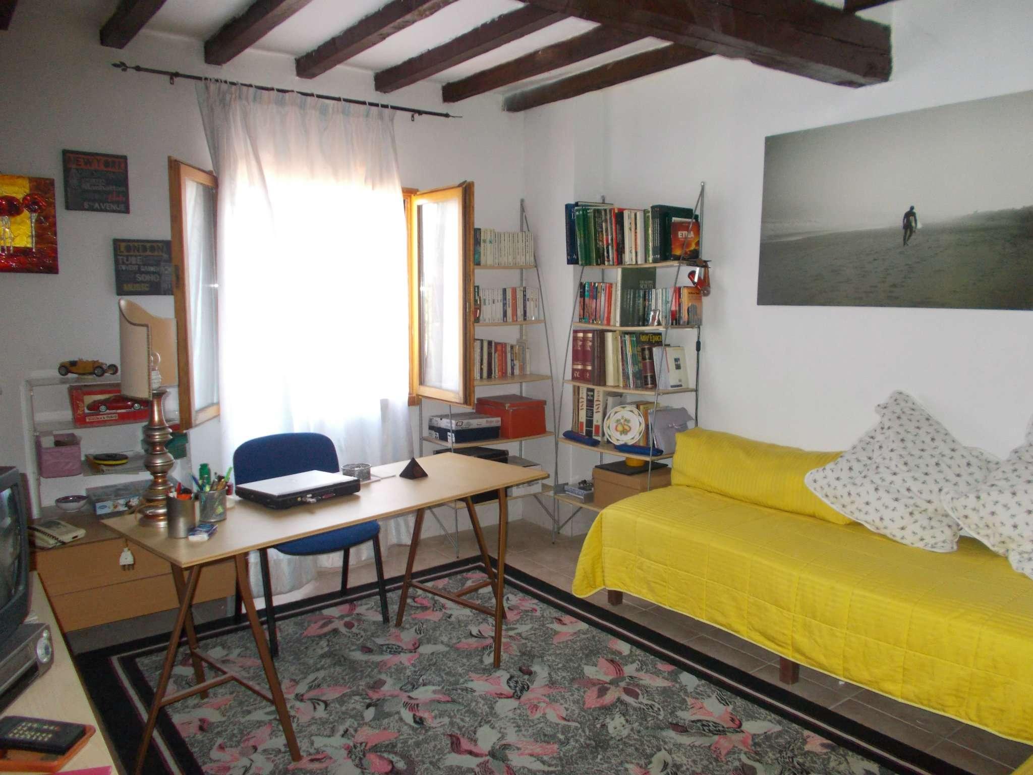 Soluzione Indipendente in vendita a Quattro Castella, 5 locali, prezzo € 240.000 | CambioCasa.it