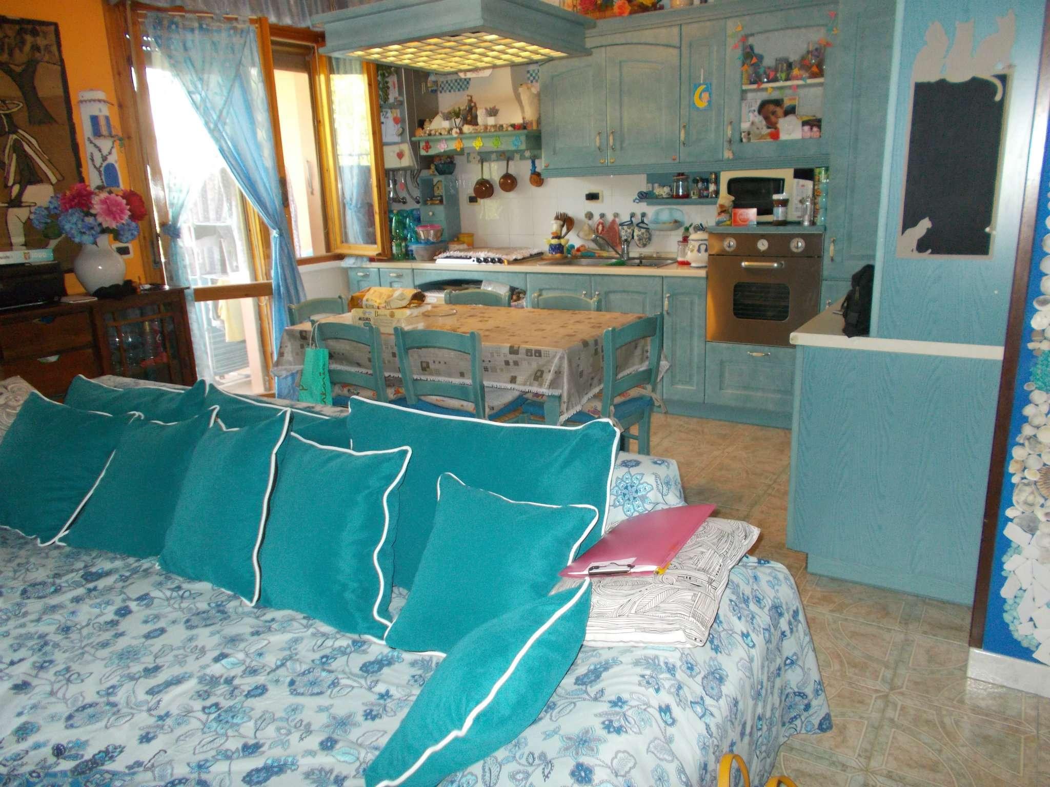 Appartamento in vendita a Quattro Castella, 3 locali, prezzo € 118.000 | CambioCasa.it