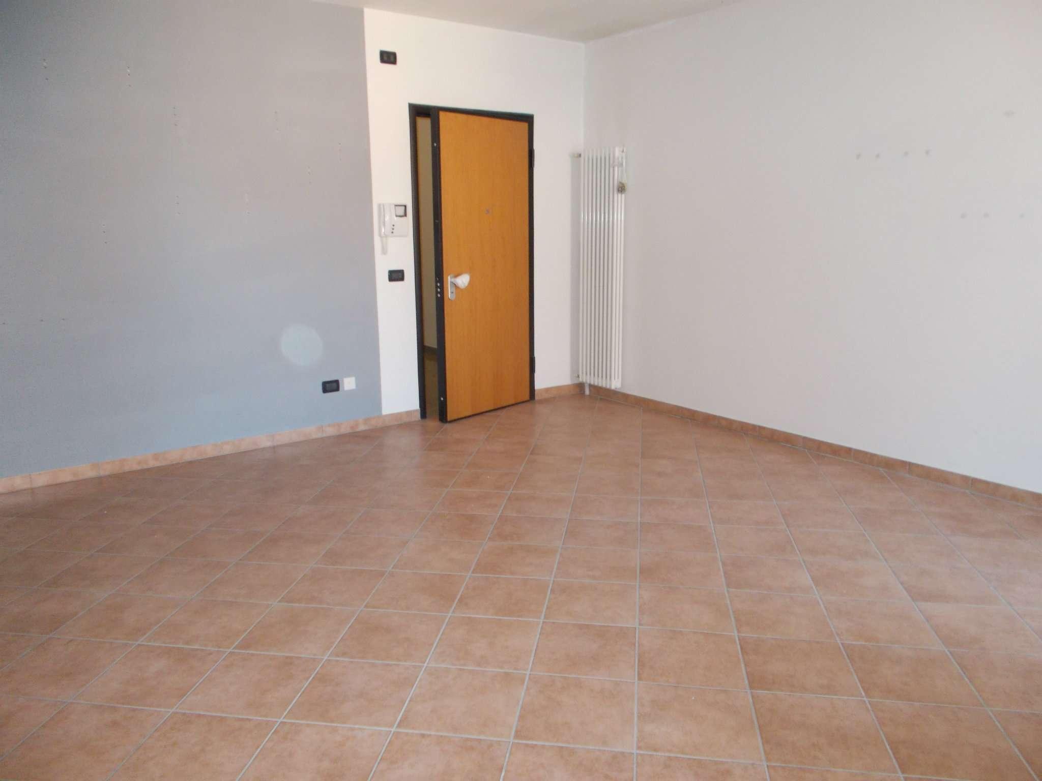 Appartamento in vendita a Quattro Castella, 3 locali, prezzo € 135.000   CambioCasa.it