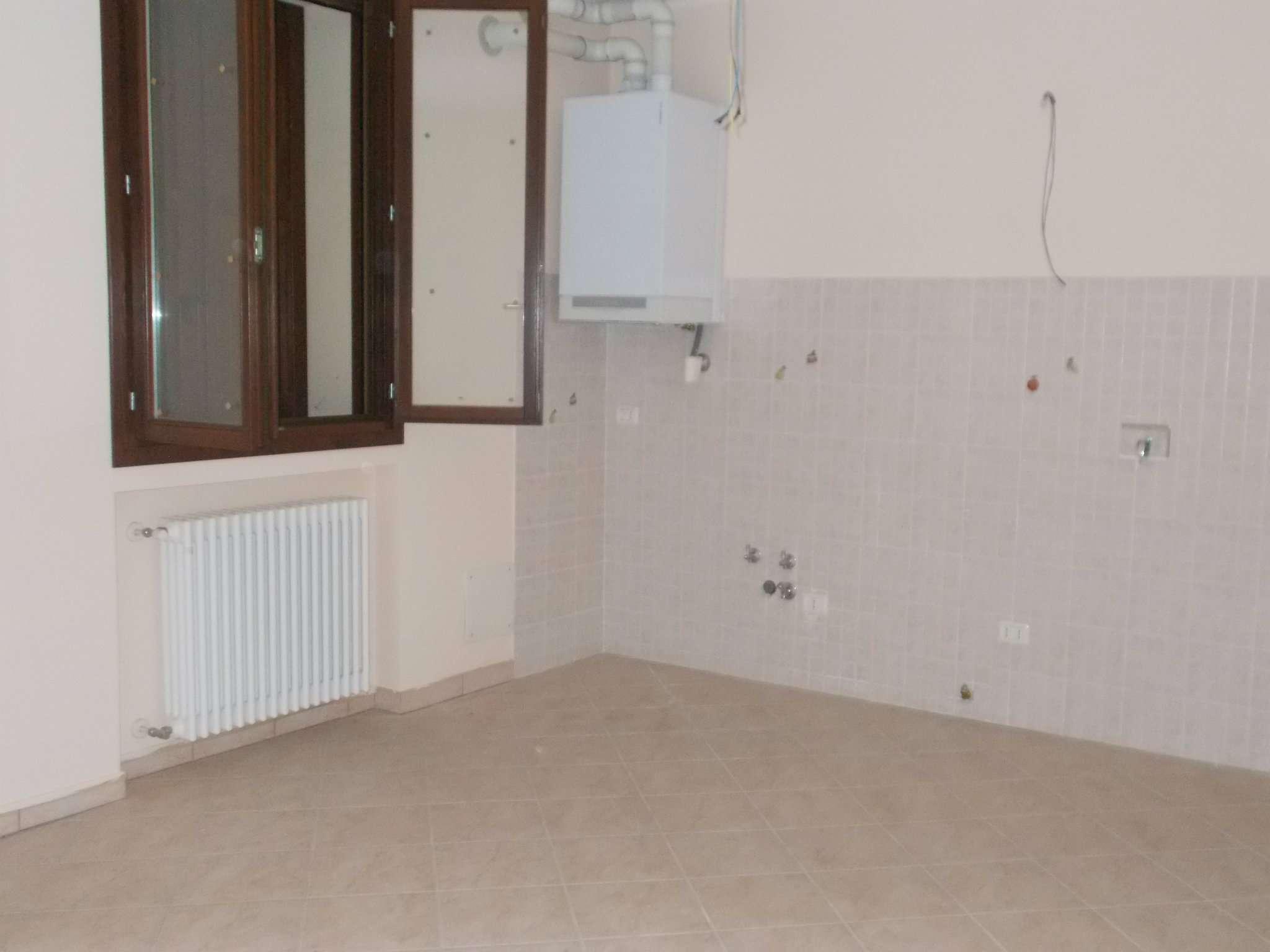Appartamento in vendita a San Polo d'Enza, 3 locali, prezzo € 140.000 | CambioCasa.it