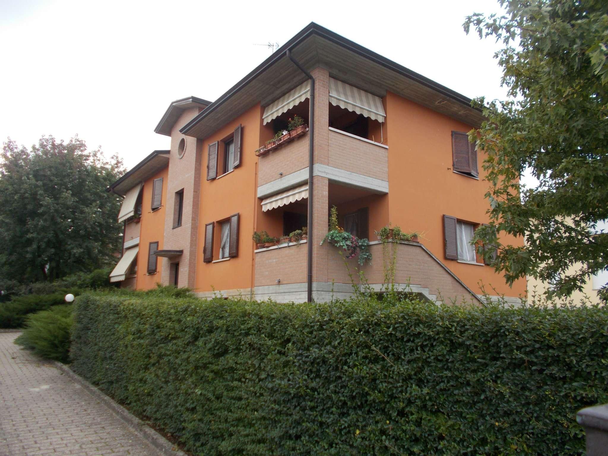 Appartamento in vendita a Quattro Castella, 3 locali, prezzo € 128.000   CambioCasa.it