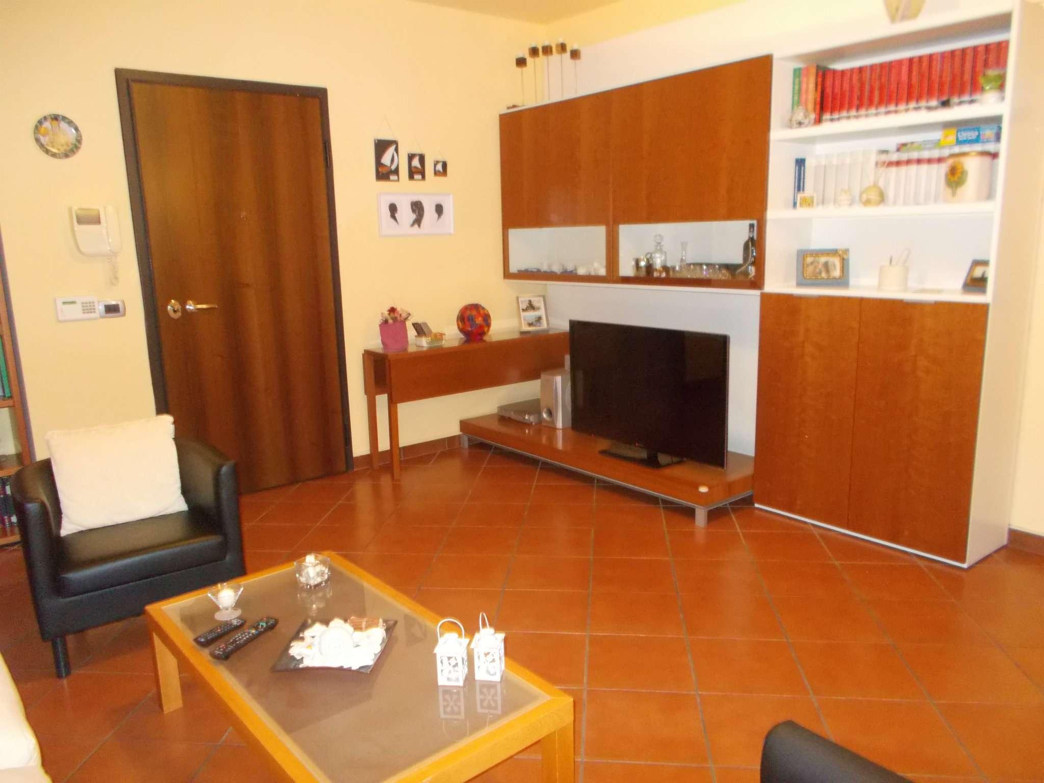 Appartamento in vendita a Reggio Emilia, 4 locali, prezzo € 179.000   CambioCasa.it