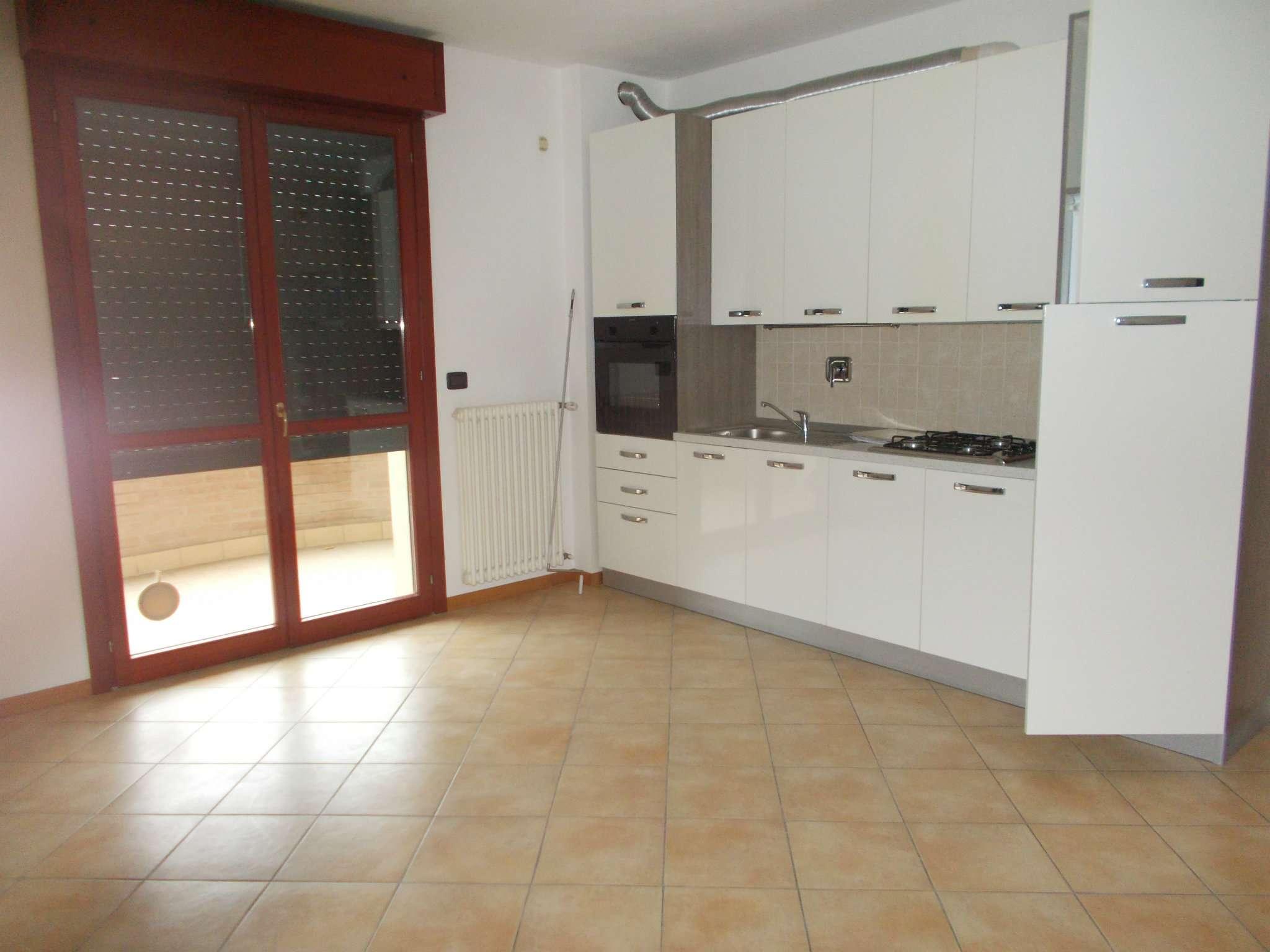 Appartamento in affitto a Quattro Castella, 3 locali, prezzo € 500 | CambioCasa.it