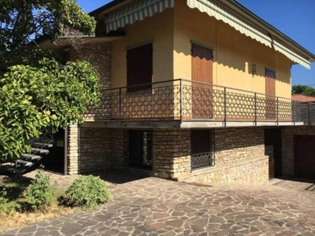 Villa in Vendita a Castelli Calepio
