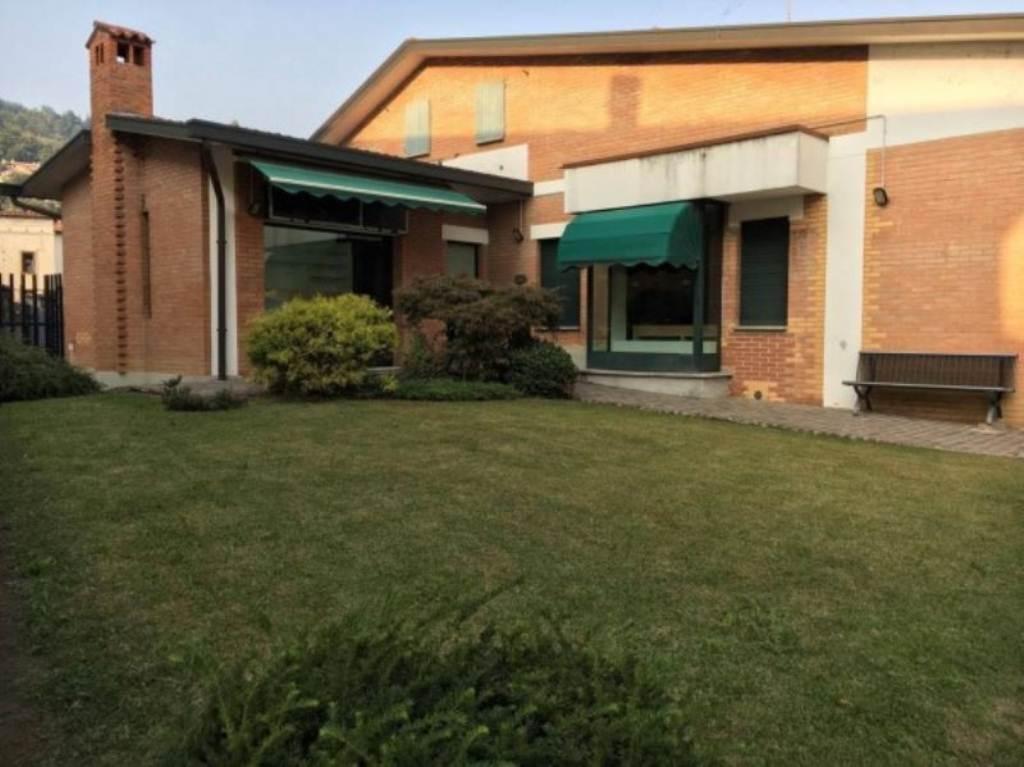Negozio / Locale in vendita a Castelli Calepio, 6 locali, Trattative riservate | Cambio Casa.it