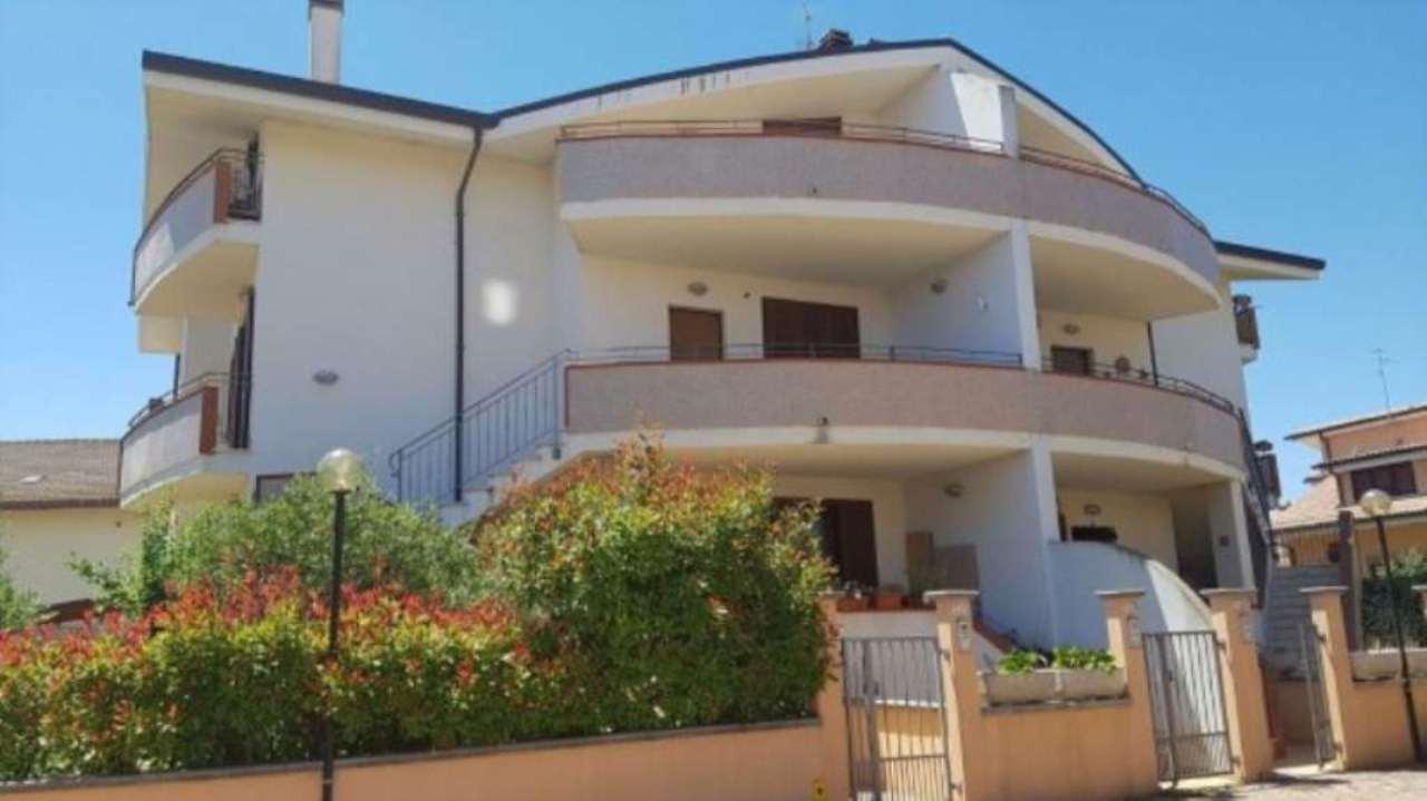 Villa in vendita a Francavilla al Mare, 4 locali, prezzo € 188.000 | Cambio Casa.it