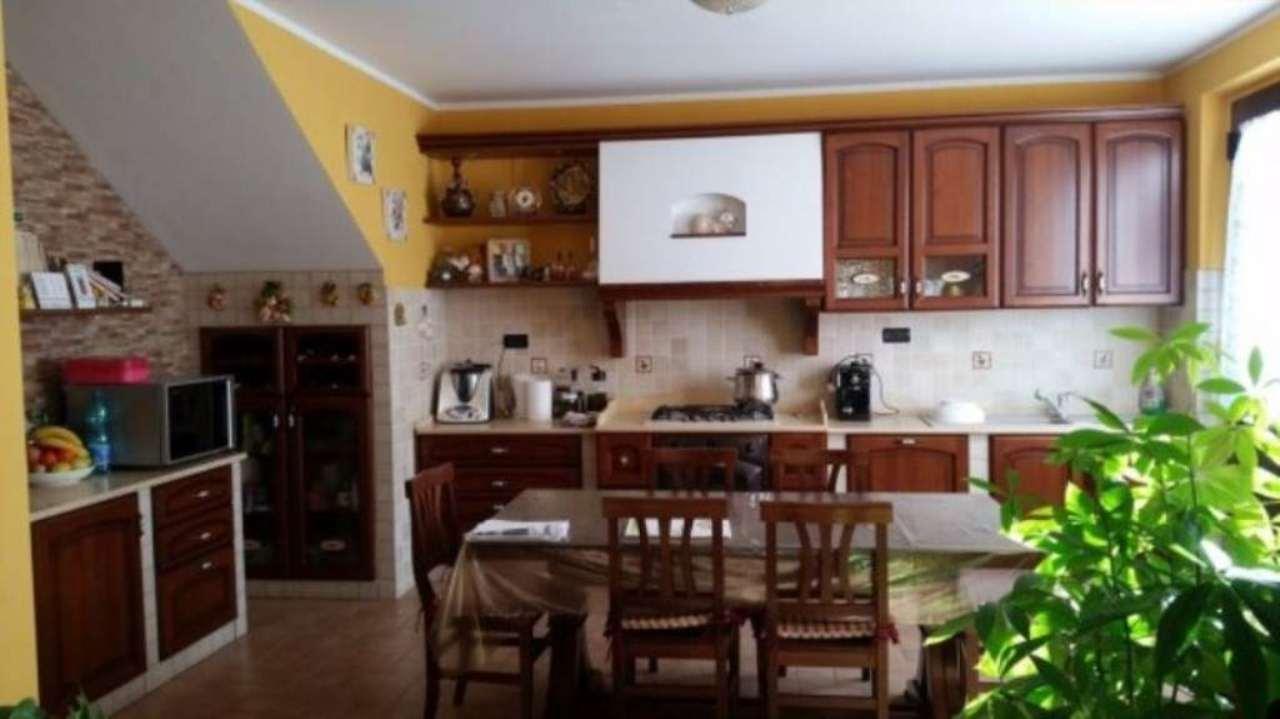 Villa in vendita a Pescara, 6 locali, prezzo € 350.000   Cambio Casa.it