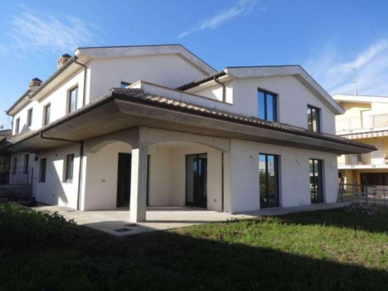 Villa in vendita a Città Sant'Angelo, 4 locali, prezzo € 480.000 | Cambio Casa.it