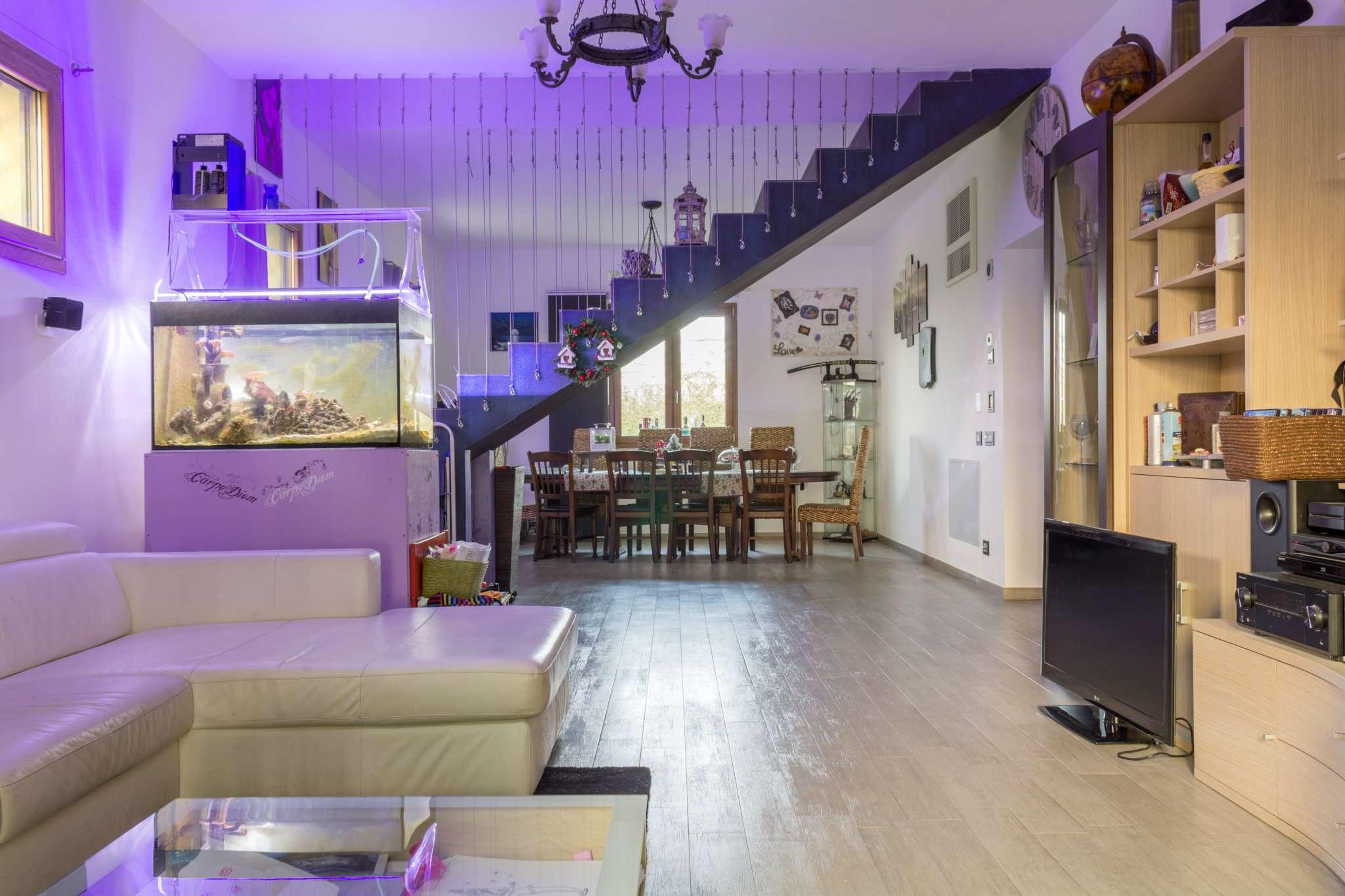 Villa in vendita a Forlì, 6 locali, prezzo € 390.000   Cambio Casa.it