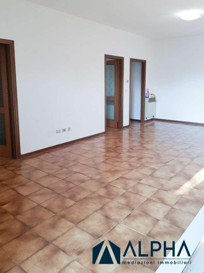 Appartamento in affitto a Forlì, 4 locali, prezzo € 570 | CambioCasa.it