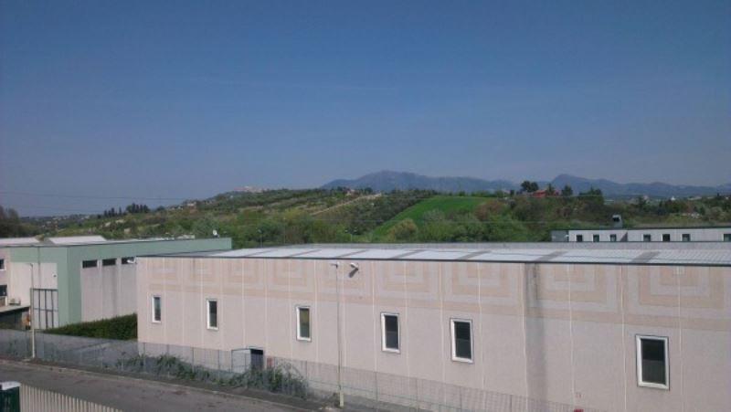 Capannone in affitto a Fonte Nuova, 4 locali, prezzo € 2.800 | CambioCasa.it
