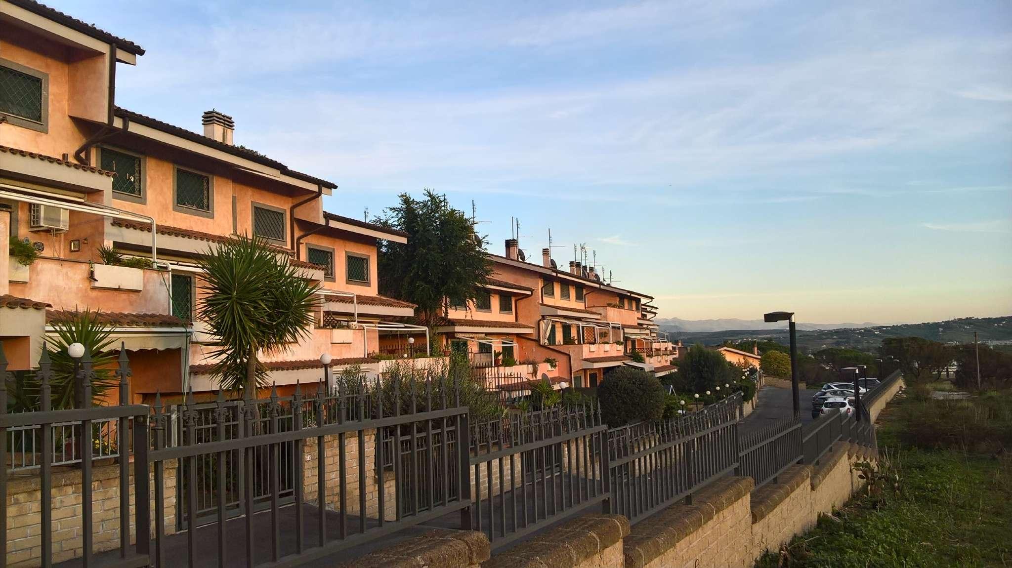 Villa a Schiera in vendita a Castelnuovo di Porto, 4 locali, prezzo € 198.000 | CambioCasa.it