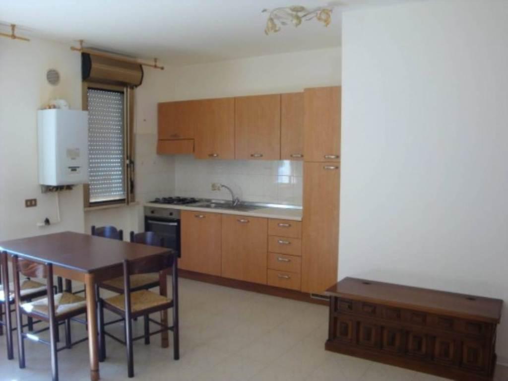 Appartamento in affitto a San Vito Chietino, 2 locali, prezzo € 320 | Cambio Casa.it
