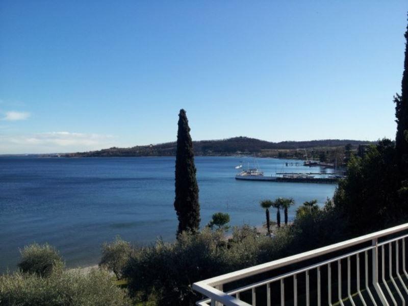 Appartamento in affitto a Padenghe sul Garda, 3 locali, prezzo € 1.200 | Cambio Casa.it