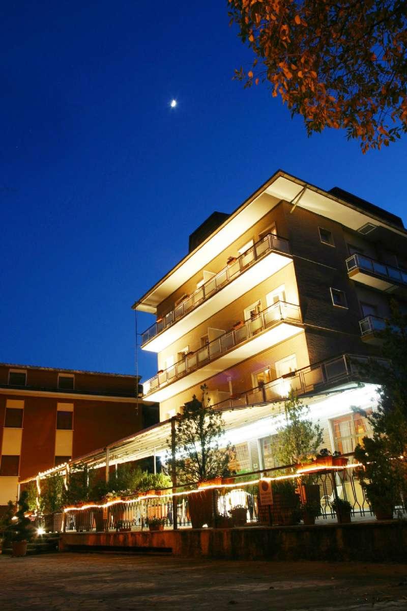 Albergo in vendita a Fiuggi, 52 locali, prezzo € 980.000   Cambio Casa.it