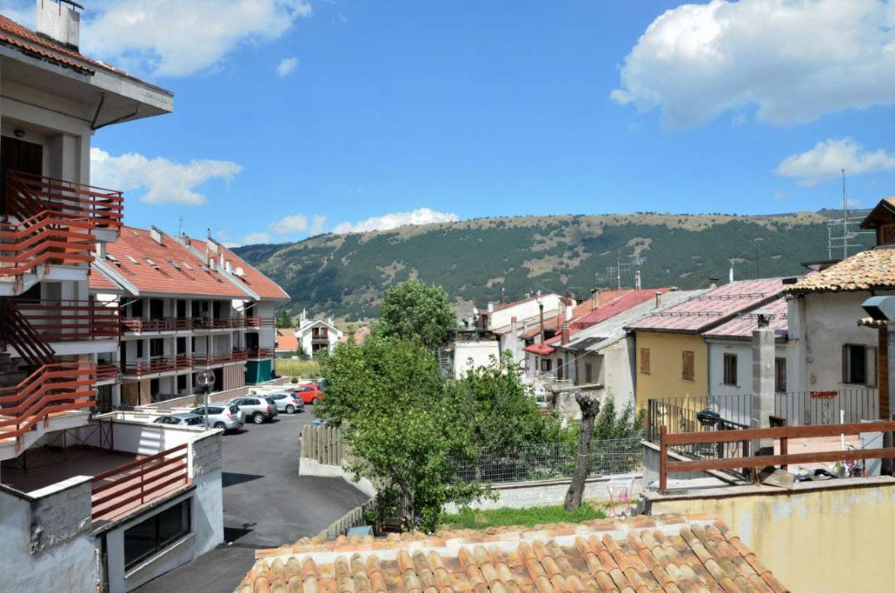 Appartamento in vendita a Ovindoli, 4 locali, prezzo € 280.000 | Cambio Casa.it