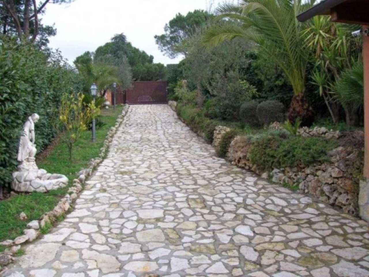 Villa Bifamiliare in Vendita a Formello