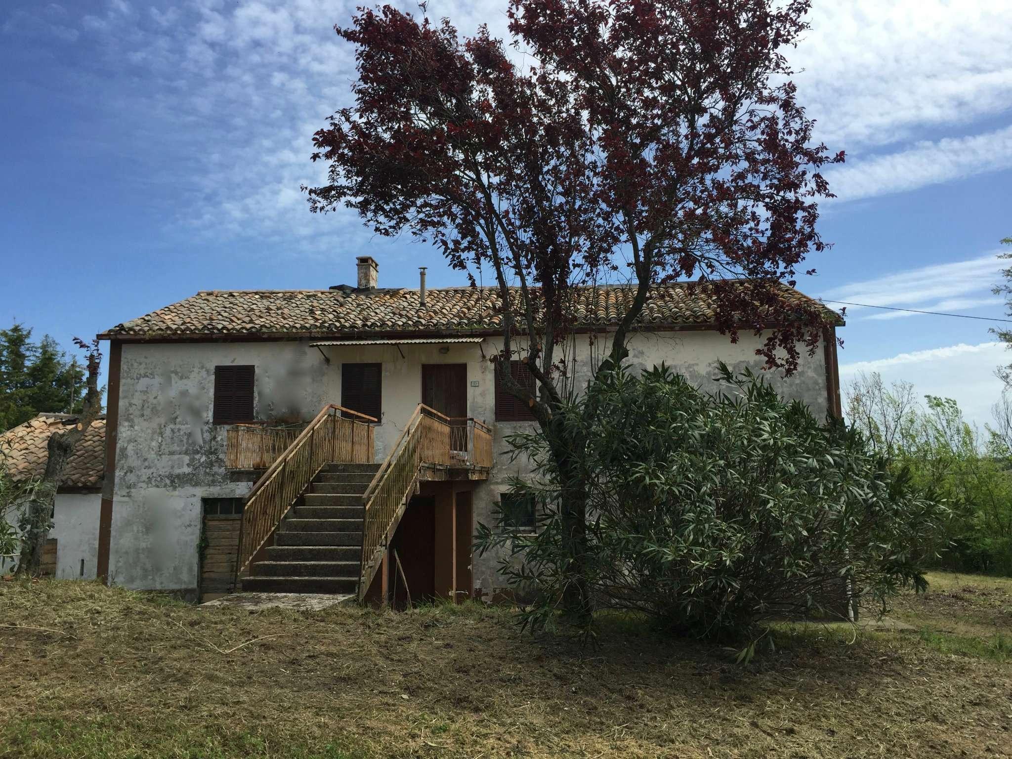 Rustico / Casale in Vendita a San Costanzo