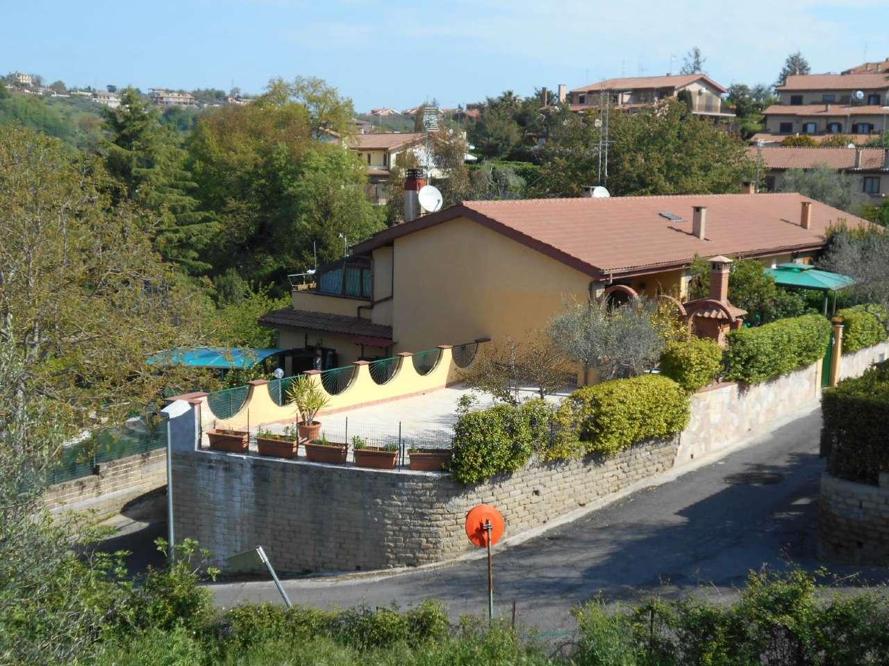 Villa a Schiera in Vendita a Castelnuovo di Porto