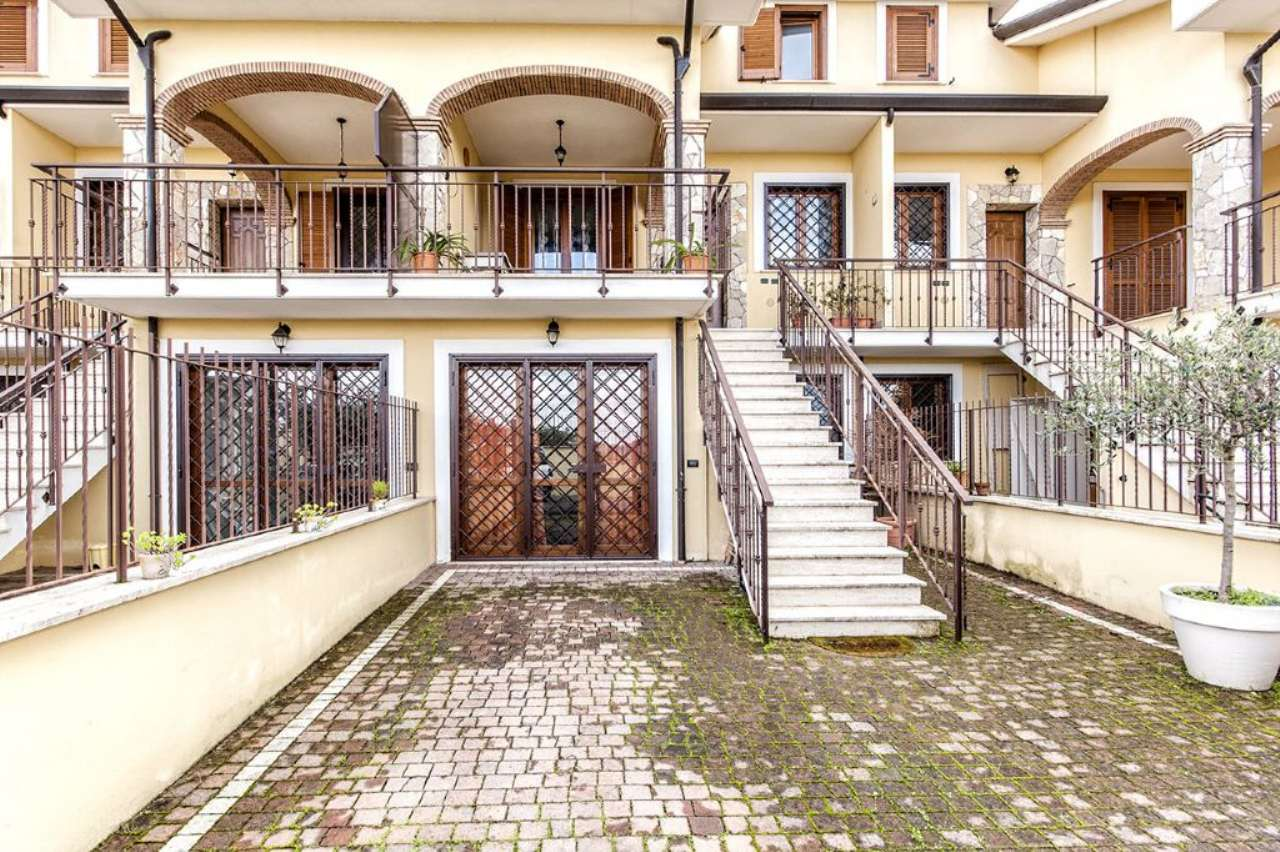 Villa in vendita a Guidonia Montecelio, 5 locali, prezzo € 269.000   CambioCasa.it