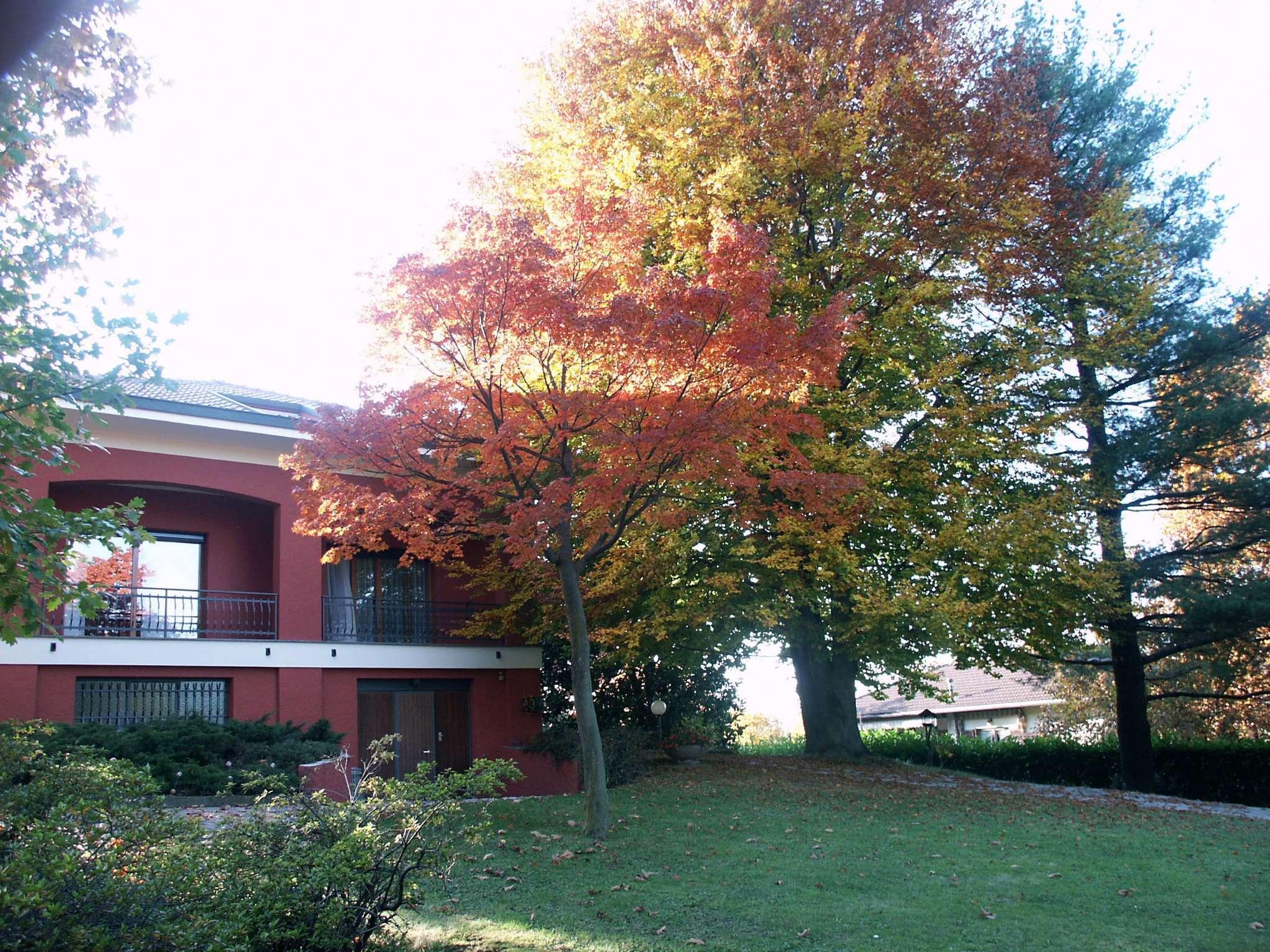 Villa in vendita a Lurago d'Erba, 6 locali, prezzo € 698.000 | Cambio Casa.it