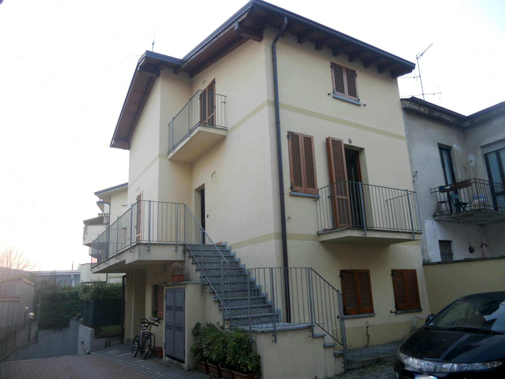 Appartamento in vendita a Albiate, 3 locali, prezzo € 180.000 | Cambio Casa.it