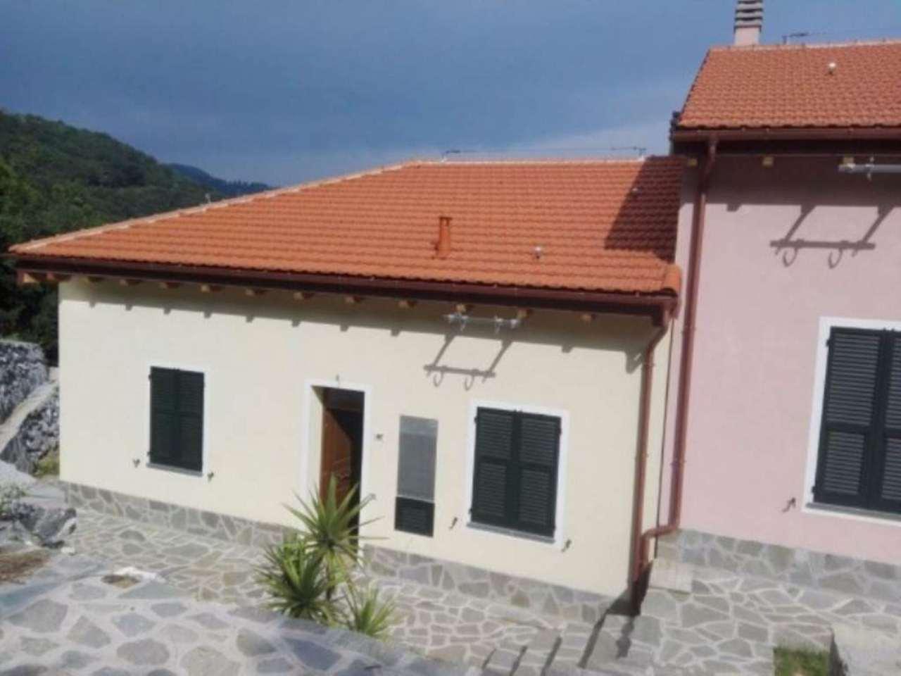 Villa in vendita a Genova, 6 locali, prezzo € 380.000 | Cambio Casa.it