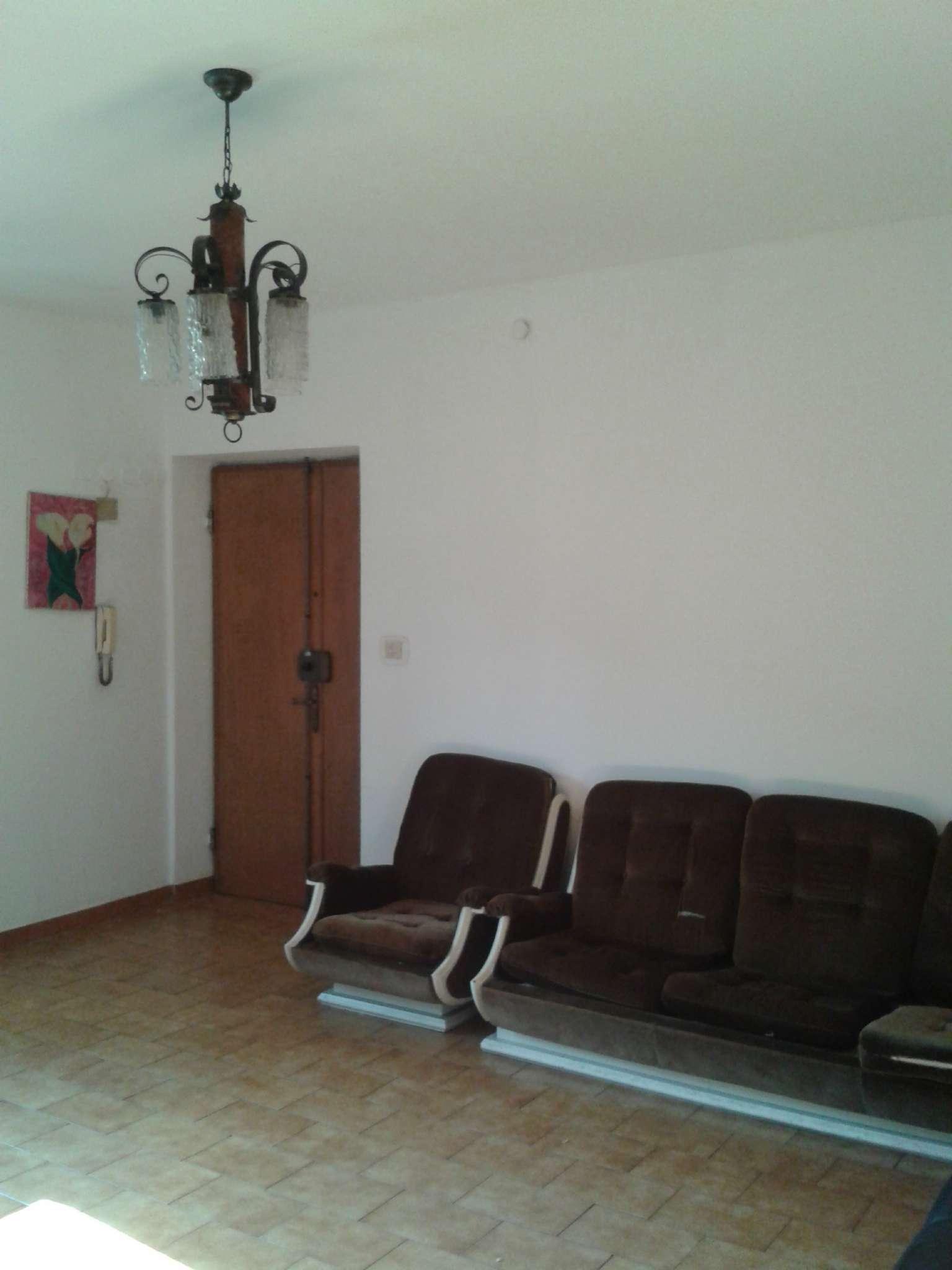 Appartamento genova affitto 500 75 mq riscaldamento for Contratto di locazione appartamento arredato