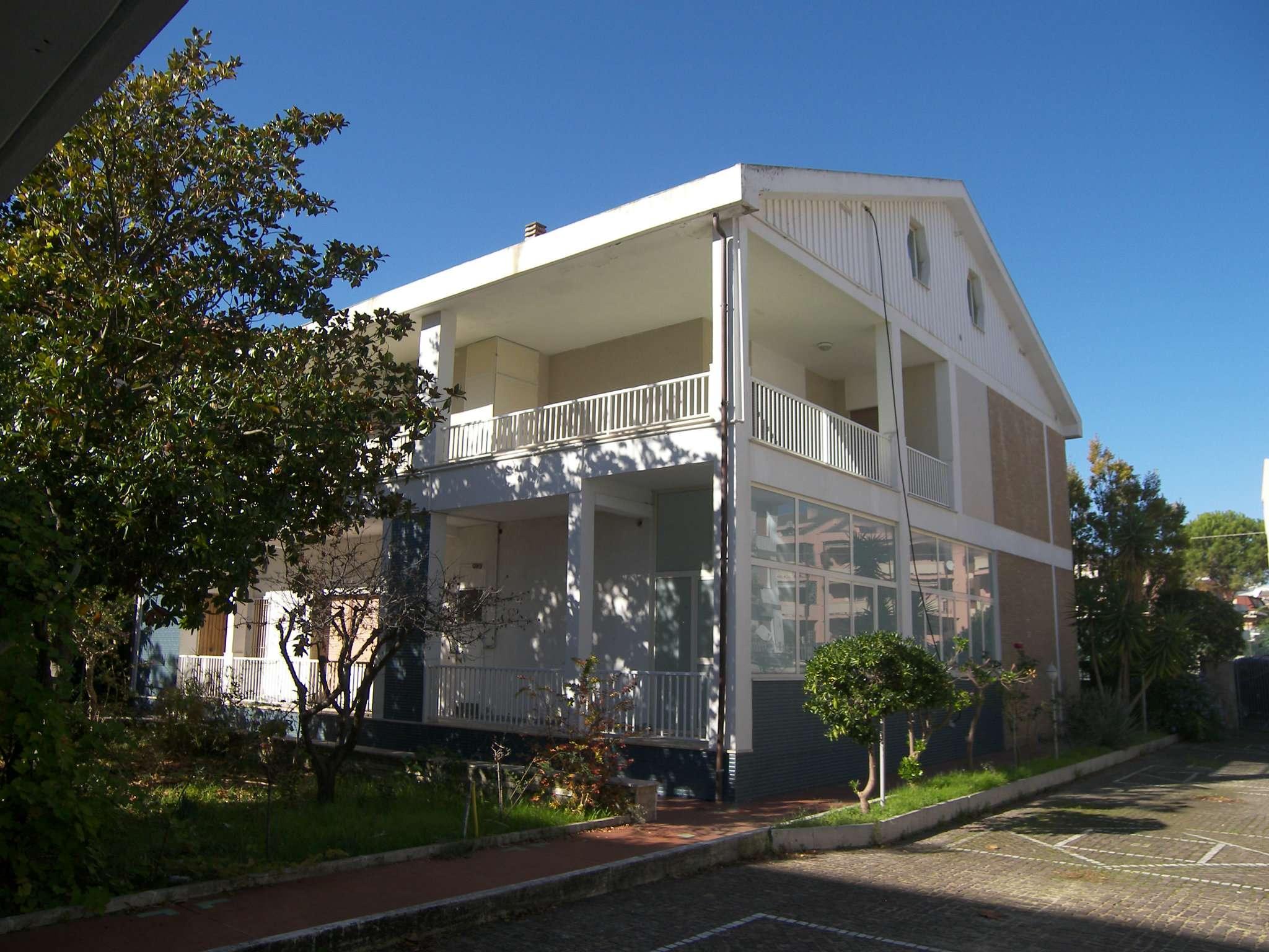 Villa Tri-Quadrifamiliare in Vendita a Francavilla al Mare