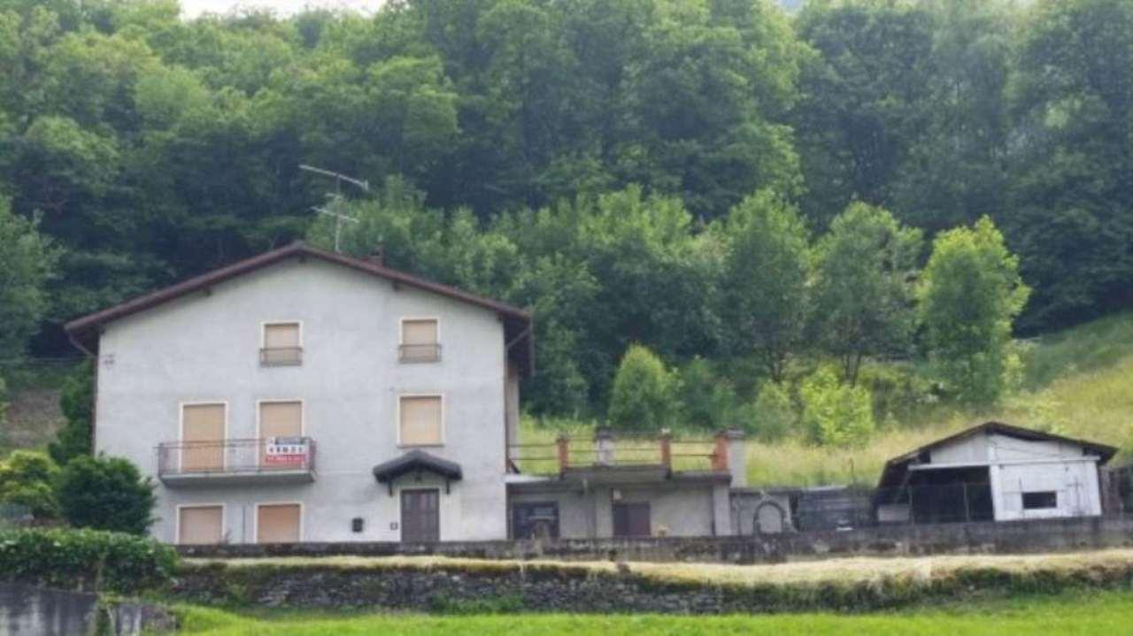 Rustico / Casale in vendita a Castello dell'Acqua, 6 locali, prezzo € 90.000 | Cambio Casa.it