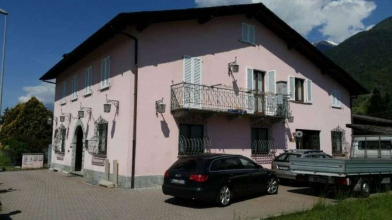 Rustico / Casale in vendita a Castione Andevenno, 6 locali, Trattative riservate | Cambio Casa.it