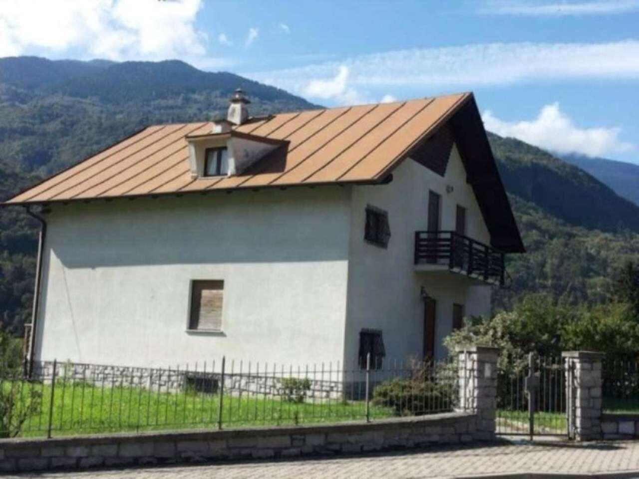 Villa in vendita a Chiuro, 6 locali, Trattative riservate | Cambio Casa.it