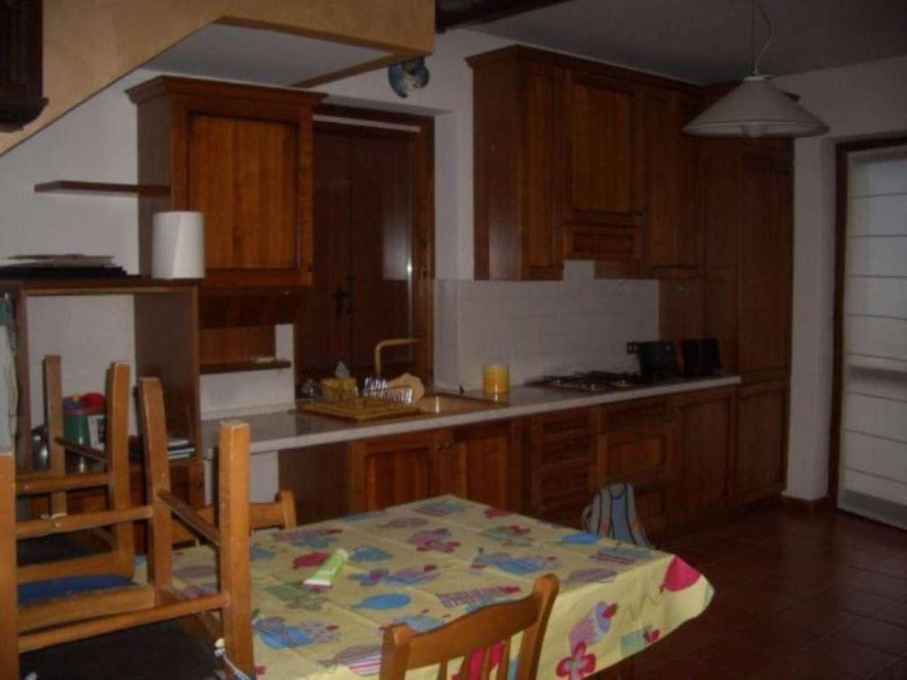 Villa in vendita a Castione Andevenno, 6 locali, prezzo € 199.000   Cambio Casa.it