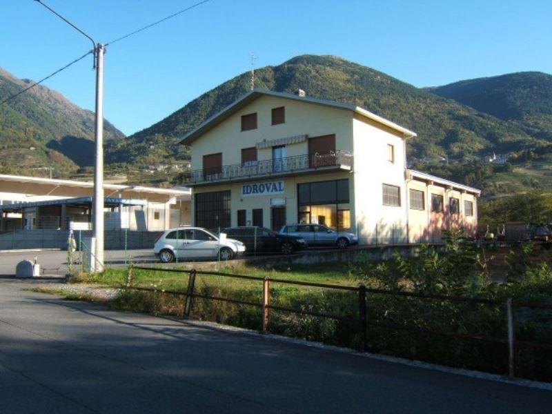 Capannone in vendita a Chiuro, 6 locali, Trattative riservate | Cambio Casa.it