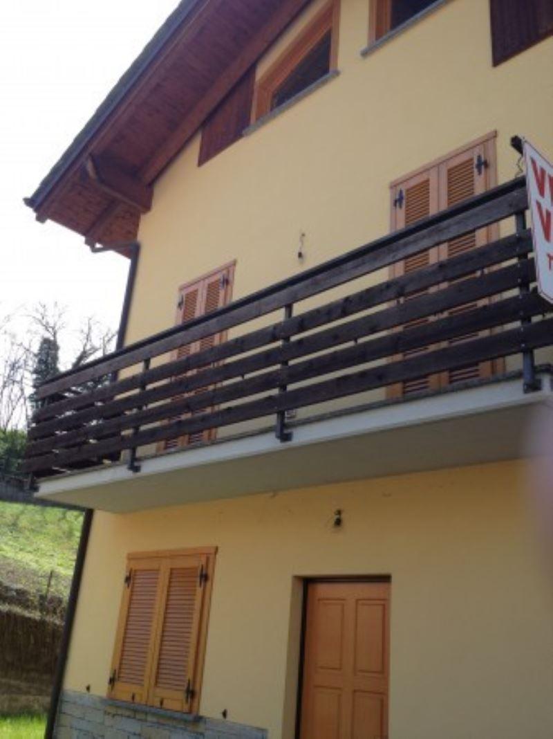 Villa in vendita a Montagna in Valtellina, 3 locali, Trattative riservate | Cambio Casa.it