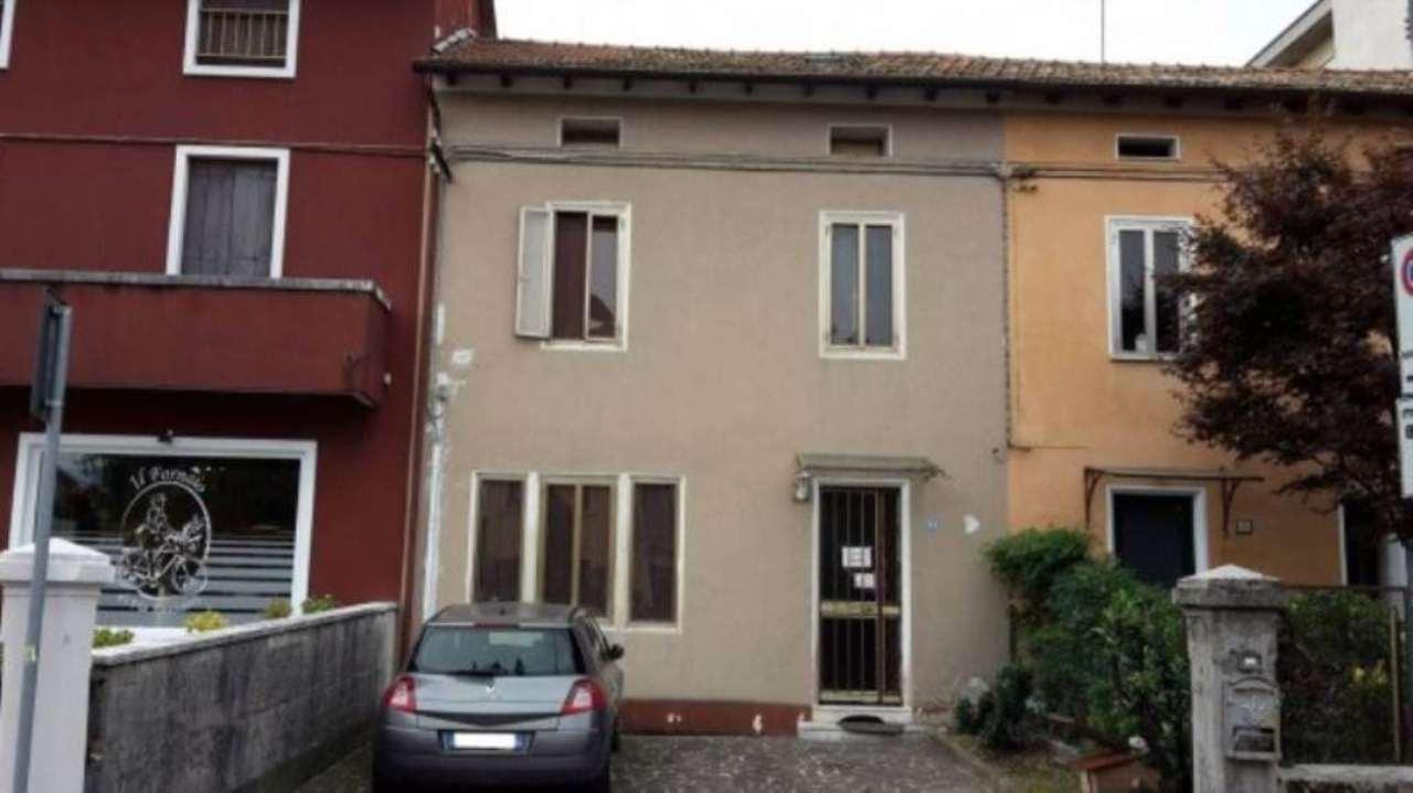 Villa a Schiera in Vendita a Schio