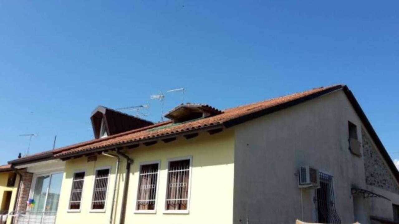Attico / Mansarda in vendita a Schio, 3 locali, prezzo € 30.000 | Cambio Casa.it