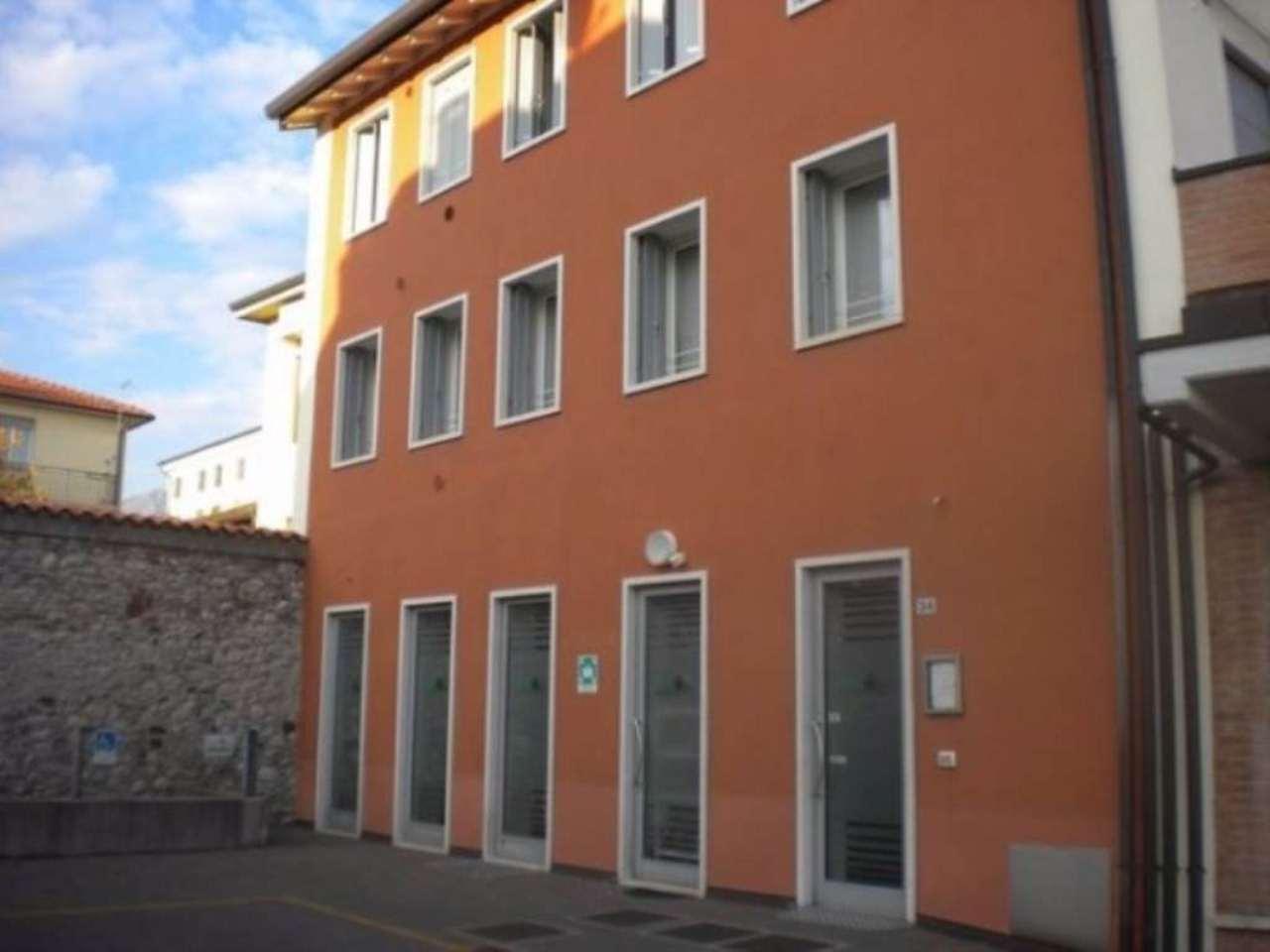 Ufficio / Studio in affitto a Schio, 4 locali, prezzo € 900 | Cambio Casa.it